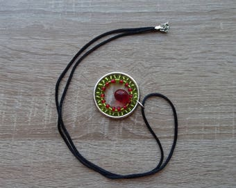 Red and green beads necklace