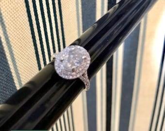 Oval Engagement Ring - Diamond