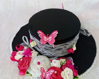 Centerpiece Fuchsia/black and white hat
