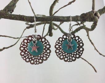 Star print round sequin enamel charm earrings