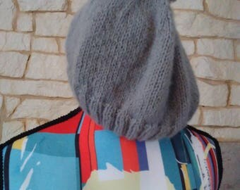 Hat in grey very hot snood match