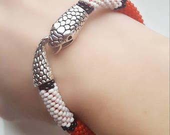 Milk snake bracelet-Red snake bracelet-Red snake-Beaded snake bracelet-Snake jewelry-Snake charm bracelet-Crochet rope seed bead bracelet