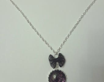 Pink Crackle effect and black bow necklace purple cabochon point fuschia