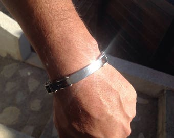 Men's Silicone and stainless steel bracelet.