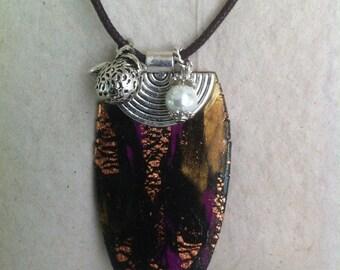 Gold/black/Fuchsia color pendant