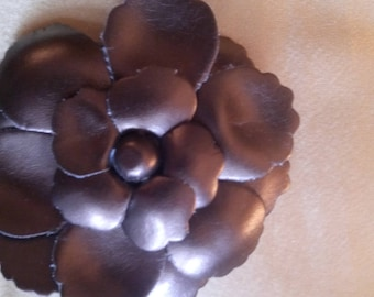 Brooch to pin, faux Brown flower
