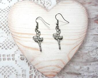 Pair dangle earrings, dancer, ballerina charm