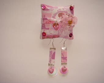 set bracelet earrings with retro pink cushion support