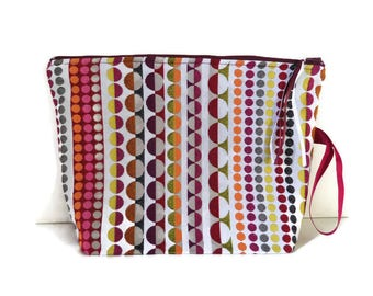 Toiletry bag. Multicolor colorful circles.