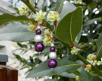 Earrings pearls magic white / purple.