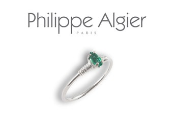White Gold 18 k emerald ring.
