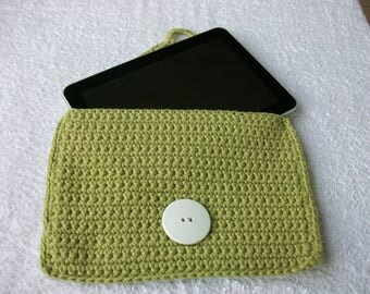 Kit made in green crochet tablets
