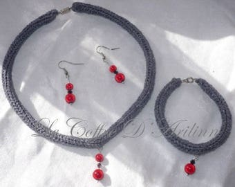 Silver set 3 pieces of knitting and red beads