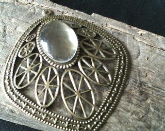 Set of 2 large pendants-prints/ethnic/brass / 70 x 61 mm / making earrings / jewelry