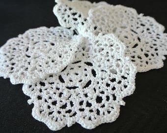 White Cotton Lace Coaster Set