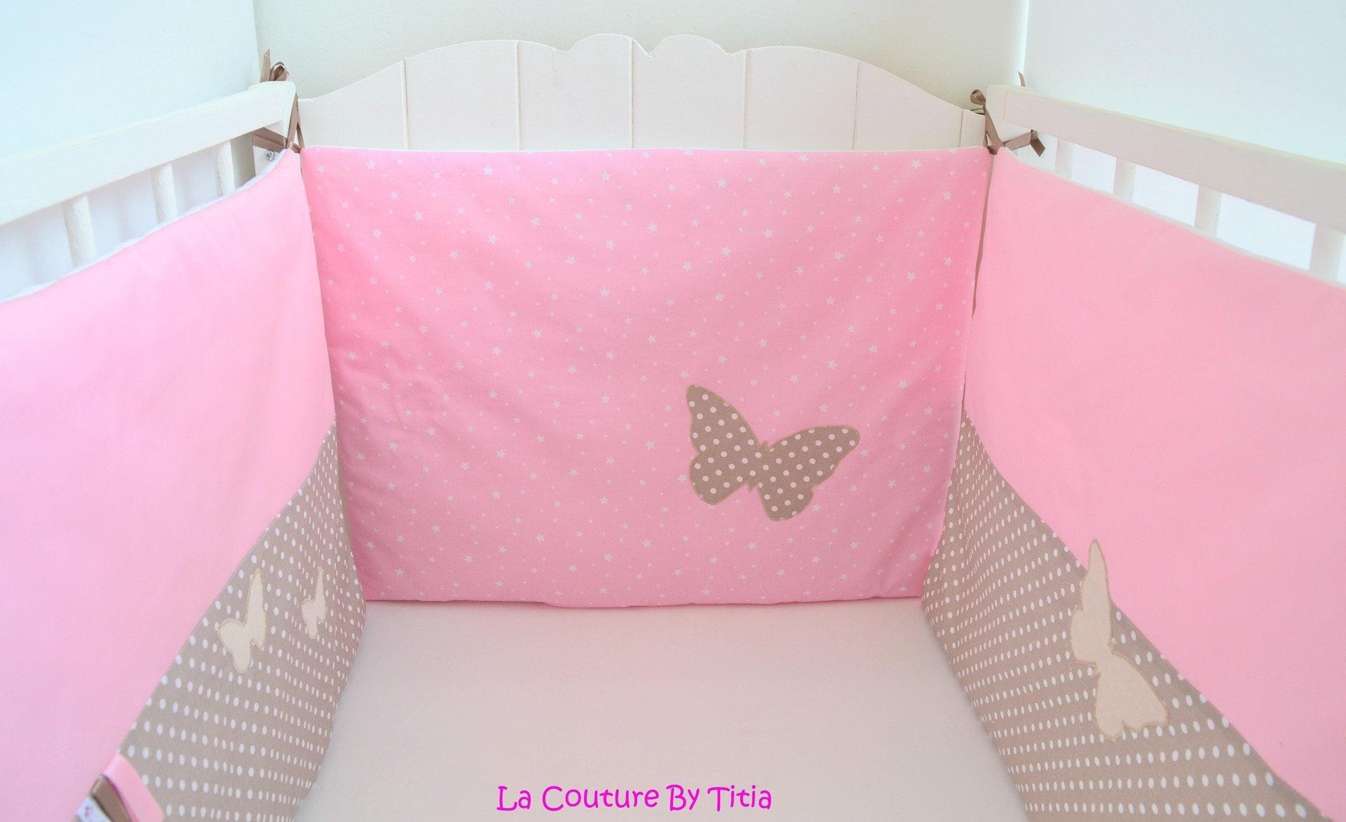 tour de lit fait main papillon taupe pois beige et rose. Black Bedroom Furniture Sets. Home Design Ideas