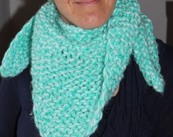 Turquoise/white knitted scarf