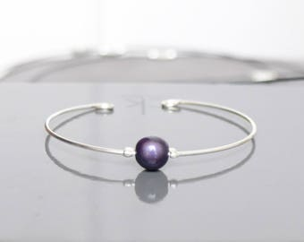Thin metal and magical purple Bead Bracelet