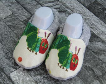 Caterpillar patterned handmade baby booties, available in sizes up to 24 months! Cute! Baby Shower! Baby slippers!