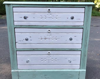 Vintage handpainted distressed dresser - FREE LOCAL PICKUP - Delivery available