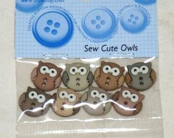 Set of 8 novelty buttons - cute owls