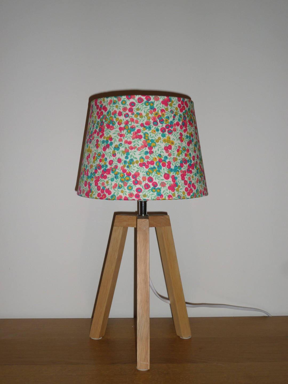 lampe trepied avec abat jour en liberty wiltshire groseille. Black Bedroom Furniture Sets. Home Design Ideas
