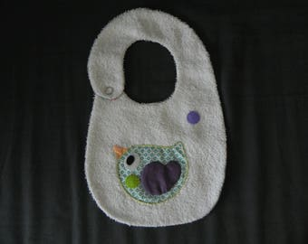 White Terry cloth bib, applied bird