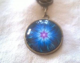 bronze pendant petables sparkling blue glass cabochon