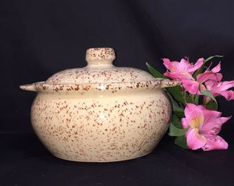 Covered Casserole Serving Dish Beanpot Monmouth Pottery Brown Speckled Spongeware