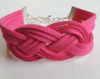 Macrame knot bracelet Celtic suede Fuchsia suede