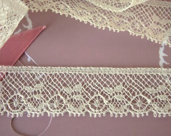 Vintage cotton lace ecru 1 m 50
