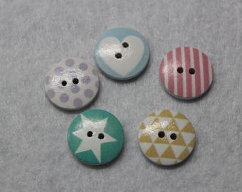 set of 5 designs different 18mm wooden buttons