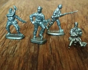 Tin Toy Soldiers, Set of 4 Asian forces, Second World War, 27mm 1/72 Scale, Made in USSR