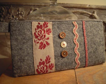 Grey felt with zipper pouch