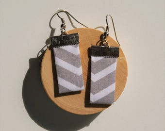 Rectangle earrings - grey with white stripes