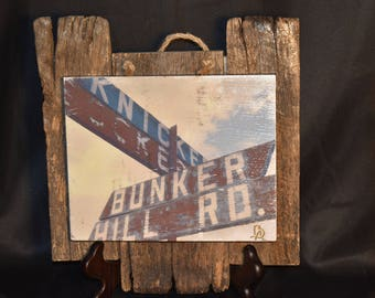 Rustic country road sign