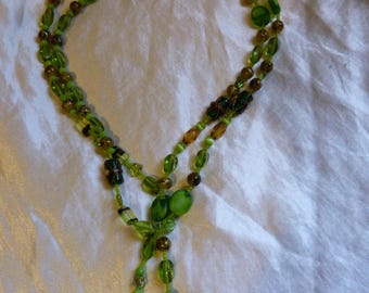 NECKLACE LONG OR MEDIUM LONG GREEN GLASS BEADS