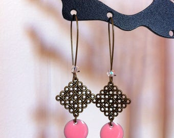 Baroque earrings in pastel pink sequin and Pearl with facets