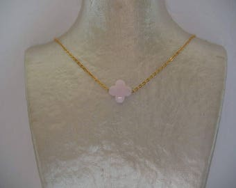 Clover powder pink and gold chain necklace