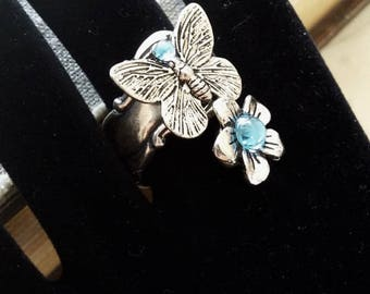 The butterfly and flower Adjustable ring