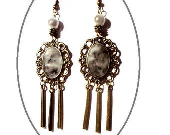 Vintage bronze, black and white marbled gray cabochons earrings