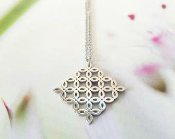 FLEUR DE LIS - Steel Flower necklace
