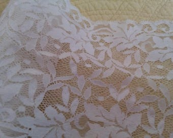 Wide white lace - 2 meters