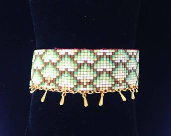 Cuff in Miyuki beads woven and drops color gold - golden brown green