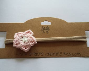 Nylon hair Band with crochet flower (pink/white)