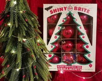 Vintage Red Shiny Brite ball ornaments in the original open tree box, Shiny Brite, vintage ornaments, christmas ornaments