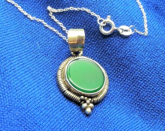 Green Onyx Sterling Silver Pendant Necklace/Free Shipping US/16 inch Sterling Chain/Chalcedony/Vintage/Handmade/Gift for woman