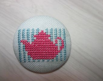 Embroidered button no. 8
