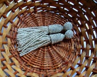 Silver color/oscar de la renta/long beaded tassel/handmade/stud earring