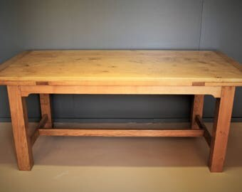 Daw-leaf dining table.